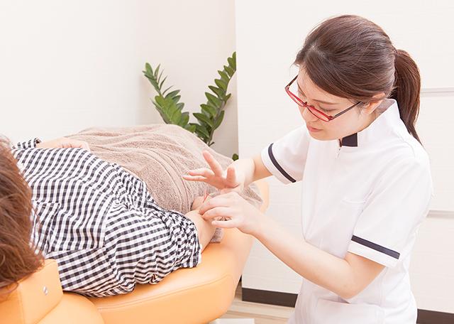 鍼灸施術の写真